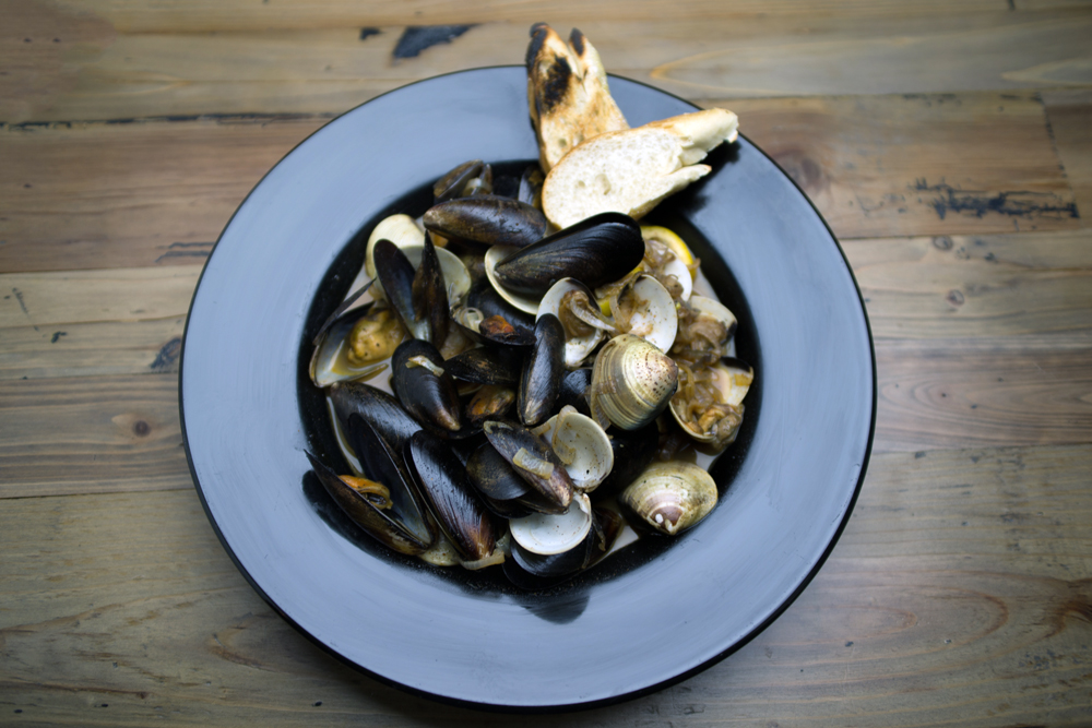 clams with mussels